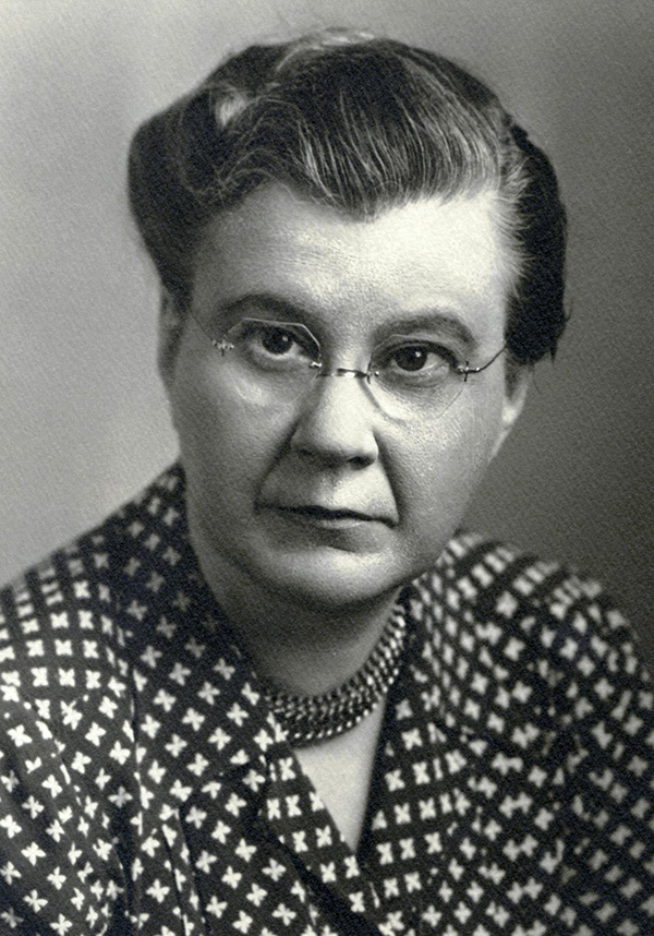 Black and white photo of Dr. Annette Washburne, taken in 1948.